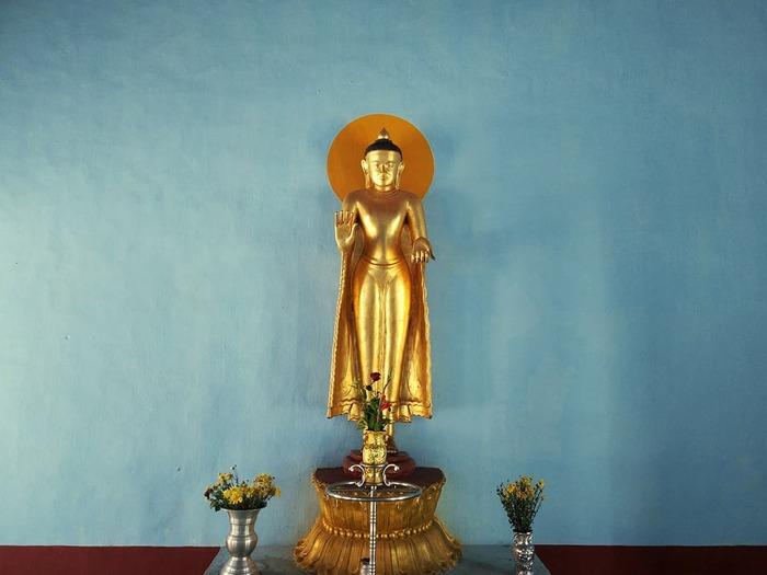 10%20basic%20buddhist%20beliefs
